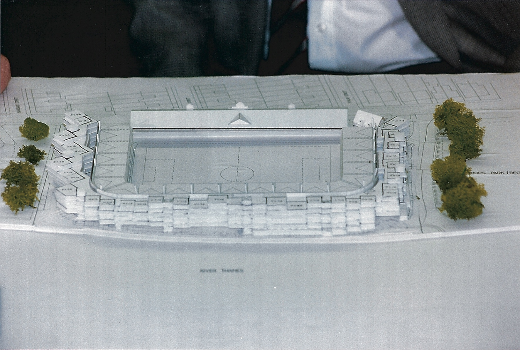 Artists Model of the 2002 design